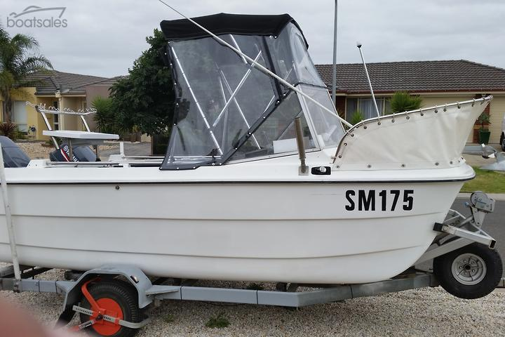 Boats with a Multi Hull for Commercial Use for Sale in