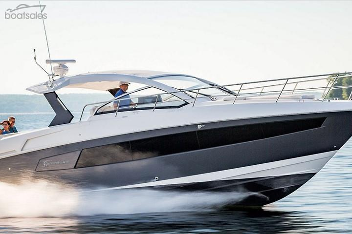 Cruisers Yachts 39 Express Coupe Boats for Sale in Australia