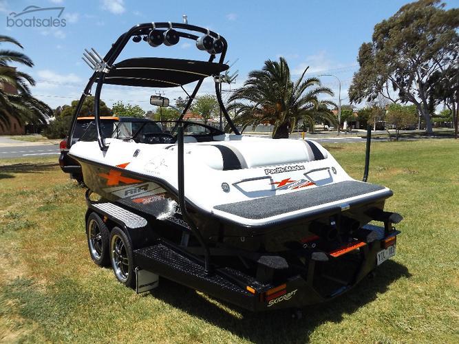 SKICRAFT Boats Fibreglass Body for Sale in South Australia